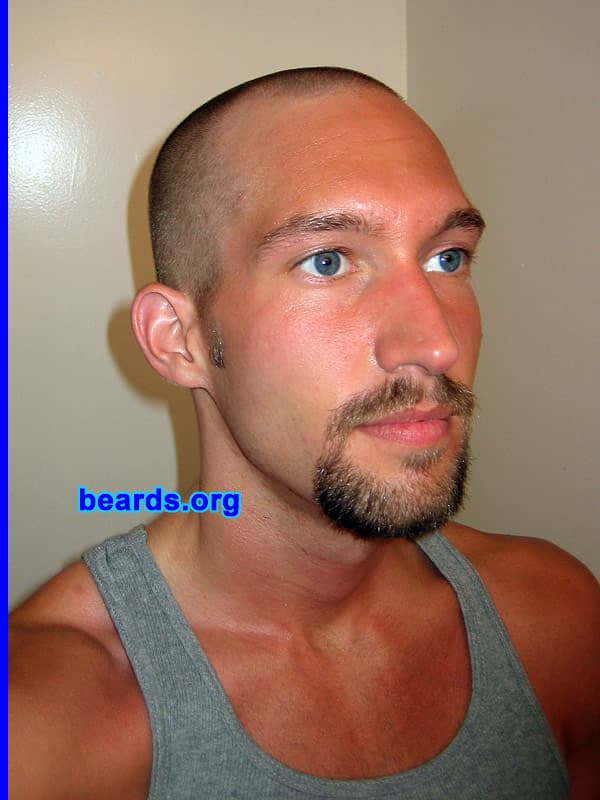 beard and mustache combo photo - 1