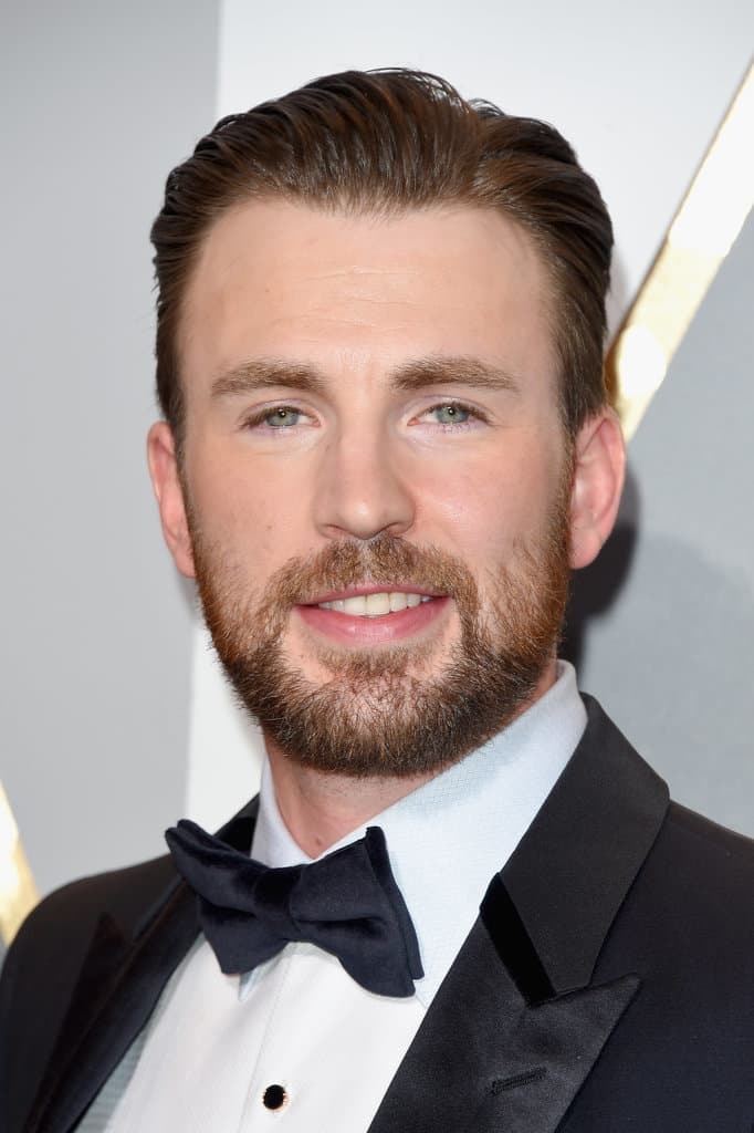 beard and suit photo - 1