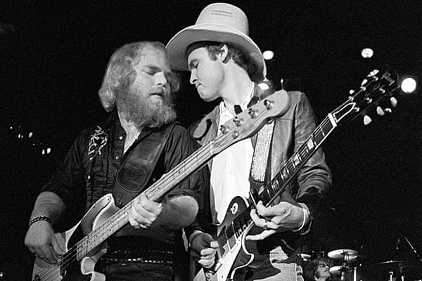 billy gibbons without beard photo - 1