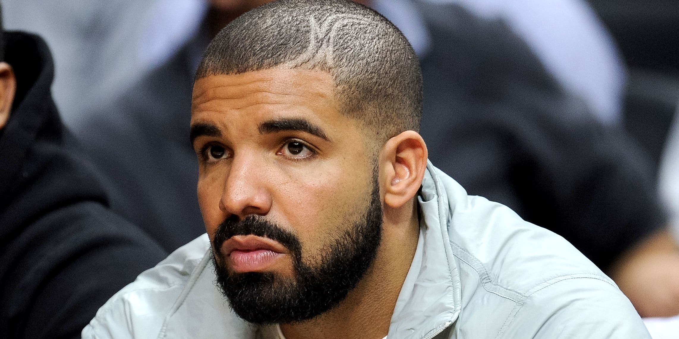 drake no beard photo - 1