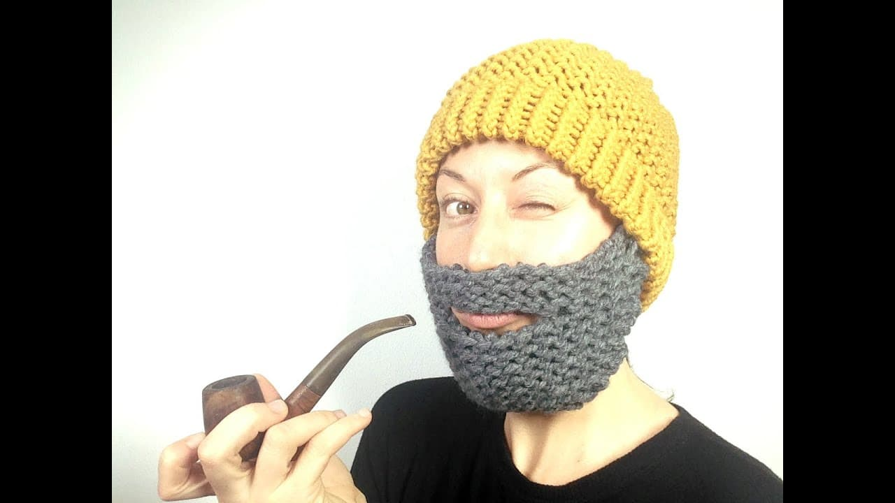 knitted beard hat photo - 1