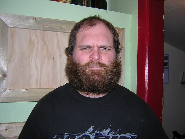 midget with beard photo - 1