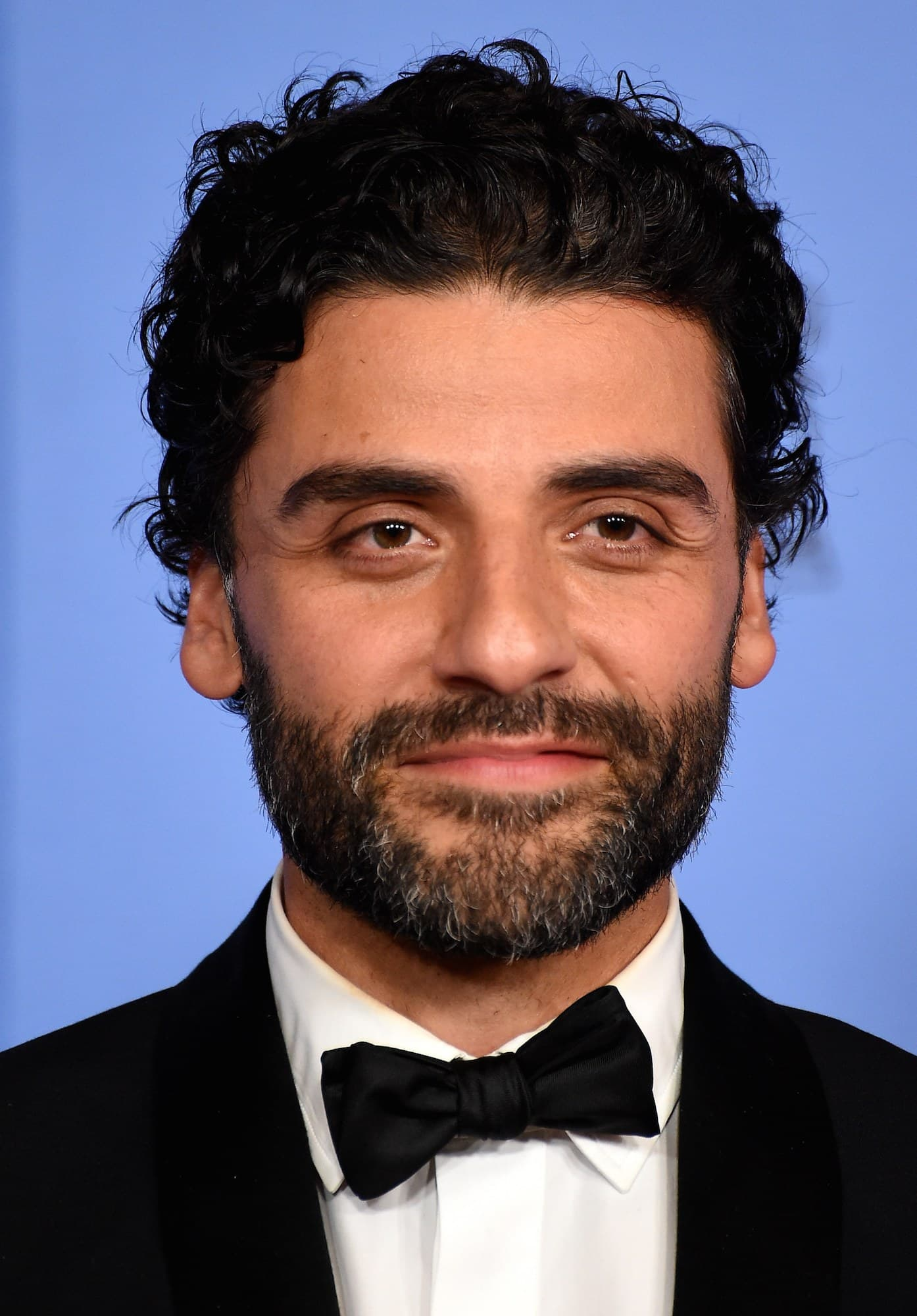 oscar isaac beard photo - 1