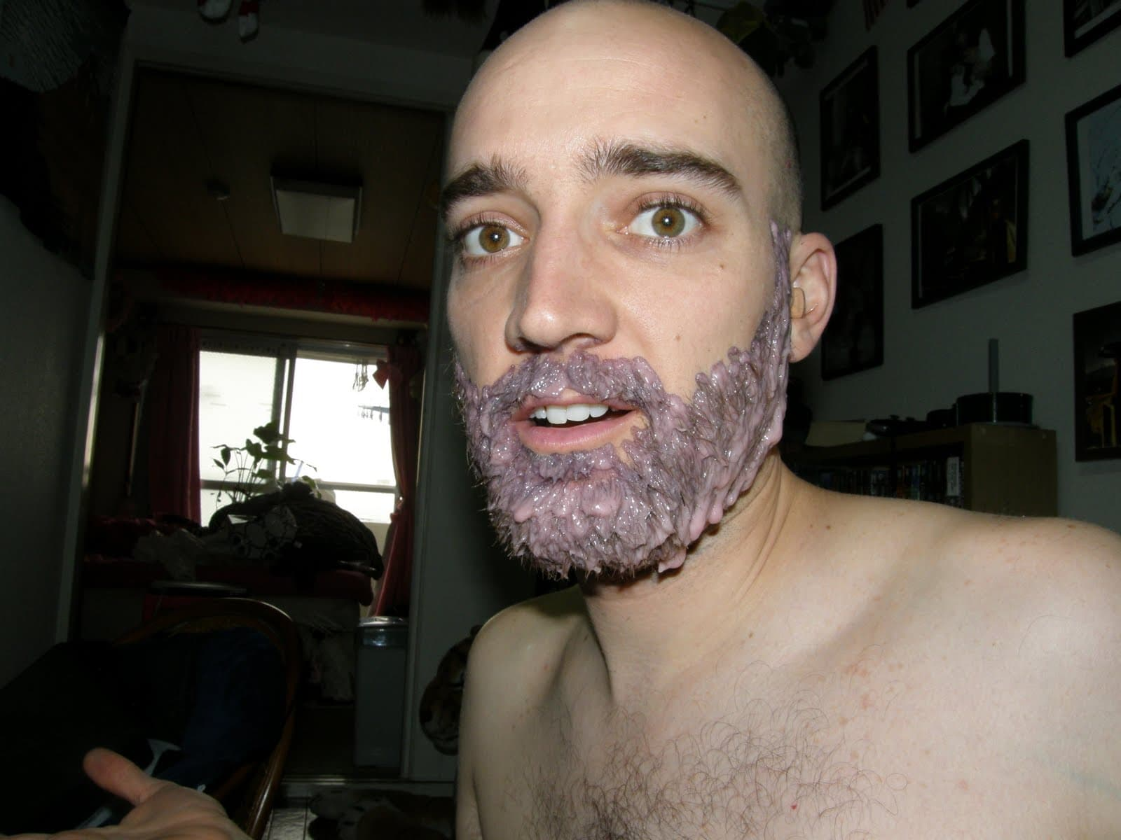 temporarily dye beard white photo - 1