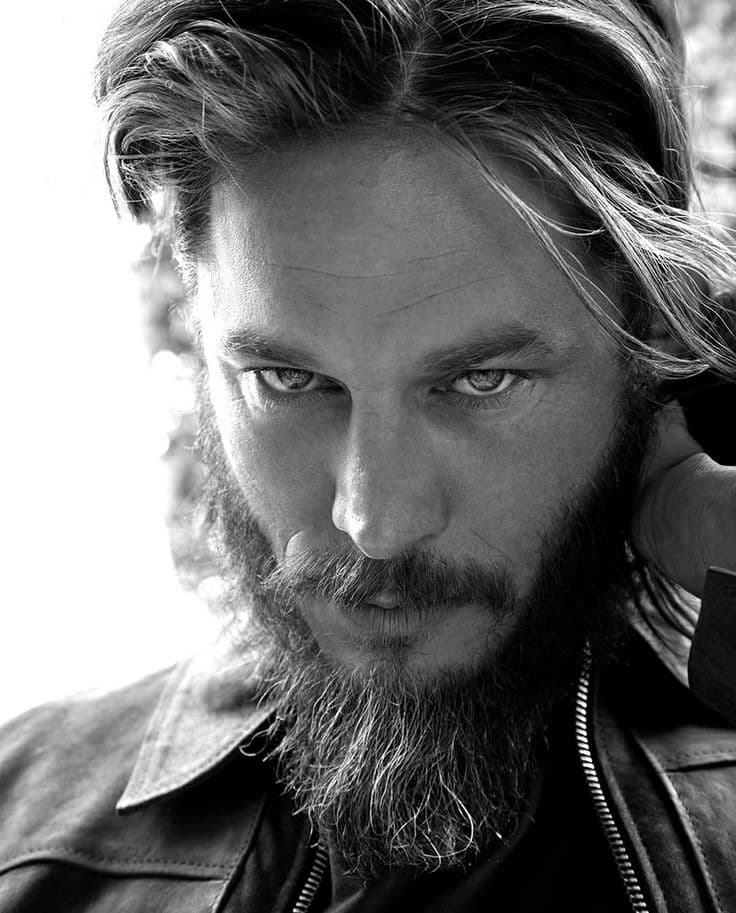 travis fimmel beard photo - 1