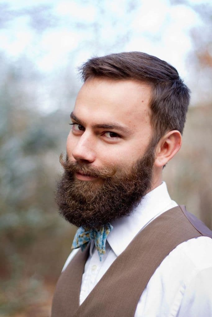 mustache connect to beard 1